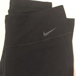 Nike DRI-FIT Exercise Capri